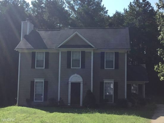 3 Bedrooms 2 Bathrooms House for rent at 5400 Southminster in Charlotte, NC