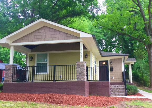 3 Bedrooms 2 Bathrooms House for rent at 1753 Dunkirk Drive in Charlotte, NC