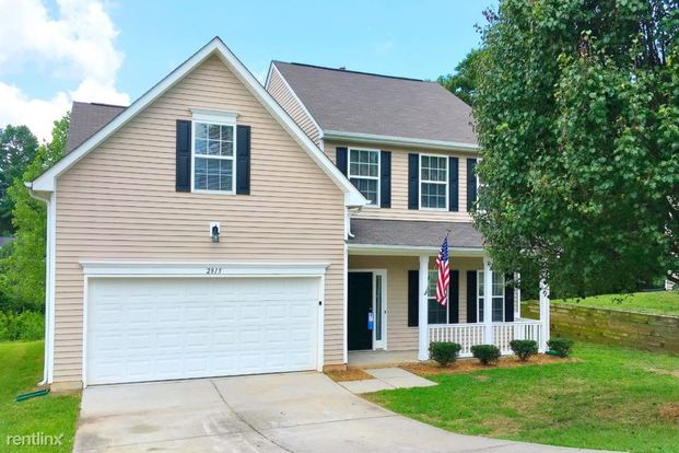 3 Bedrooms 2 Bathrooms House for rent at 2815 Forest Grove Court in Charlotte, NC