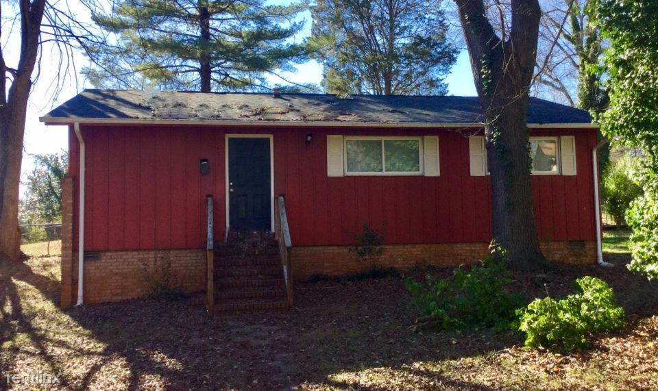 3 Bedrooms 1 Bathroom House for rent at 4201 Mckinley Drive in Charlotte, NC