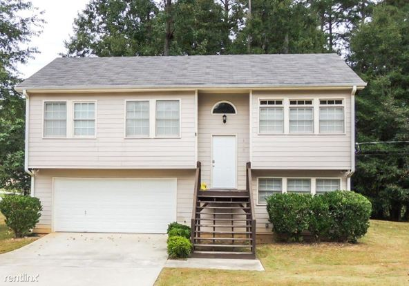 4 Bedrooms 2 Bathrooms House for rent at 400 Christian Woods Drive Se in Conyers, GA