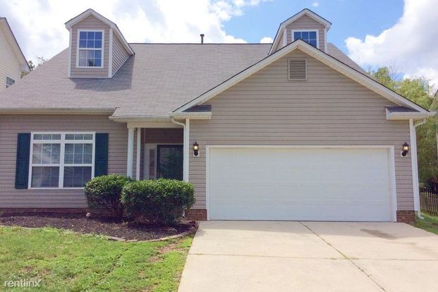 3 Bedrooms 3 Bathrooms House for rent at 6512 Mallard Park Drive in Charlotte, NC