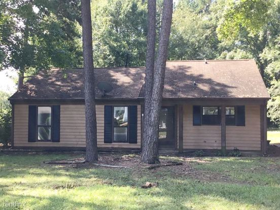 3 Bedrooms 1 Bathroom House for rent at 6318 Woodthrush Drive in Charlotte, NC
