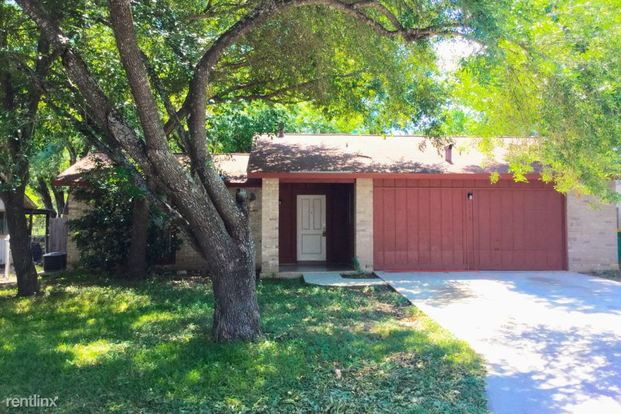 3 Bedrooms 2 Bathrooms House for rent at 111 Meadow Lark in Converse, TX