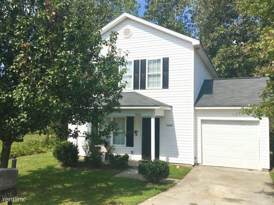 3 Bedrooms 2 Bathrooms House for rent at 11626 Carrington Hill Drive in Charlotte, NC