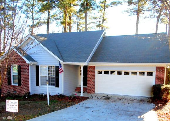 3 Bedrooms 2 Bathrooms House for rent at 2161 Boone Place in Snellville, GA