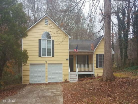 3 Bedrooms 2 Bathrooms House for rent at 5252 Cherry Hill Lane in Powder Springs, GA