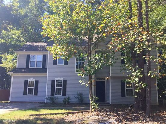 3 Bedrooms 2 Bathrooms House for rent at 4107 Craven Hill Drive in Charlotte, NC