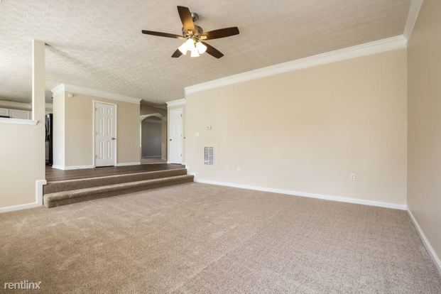 4 Bedrooms 2 Bathrooms House for rent at 341 Yellow River Lane in Conyers, GA