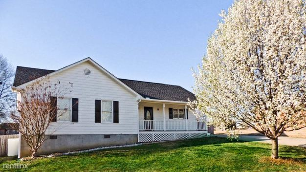 3 Bedrooms 2 Bathrooms House for rent at 119 Northridge Drive in Winder, GA