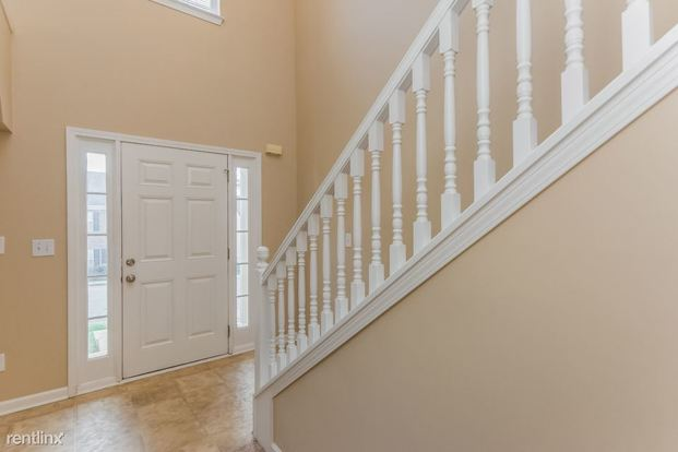 4 Bedrooms 2 Bathrooms House for rent at 2957 Jenkins Drive in Snellville, GA