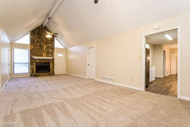 3 Bedrooms 2 Bathrooms House for rent at 4251 Cary Drive in Snellville, GA