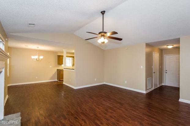 3 Bedrooms 2 Bathrooms House for rent at 1616 Glynn Court in Hampton, GA
