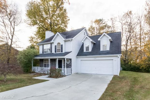 4 Bedrooms 2 Bathrooms House for rent at 720 Cayla Ann Court in Loganville, GA
