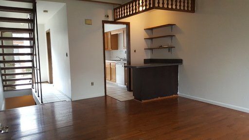 4 Bedrooms 2 Bathrooms Apartment for rent at 142-150 W 8th Avenue in Columbus, OH