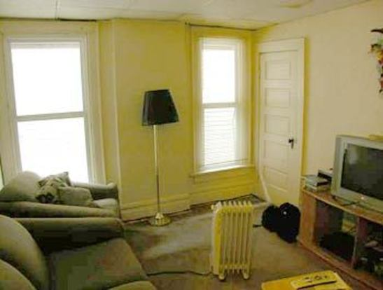 3 Bedrooms 2 Bathrooms Apartment for rent at 105 Chittenden Ave in Columbus, OH
