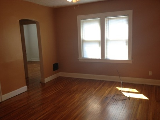 2 Bedrooms 1 Bathroom Apartment for rent at 125 W Blake in Columbus, OH