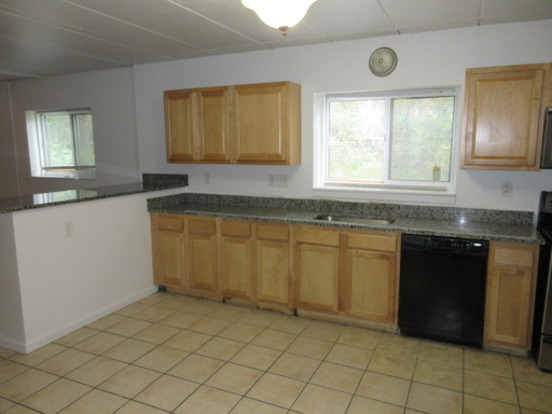 8+ Bedrooms 2 Bathrooms Apartment for rent at 153 E 12th Avenue in Columbus, OH
