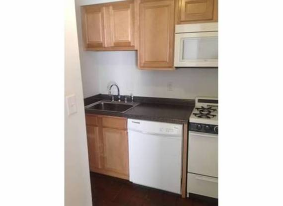 1 Bedroom 1 Bathroom Apartment for rent at 1751 Summit St in Columbus, OH