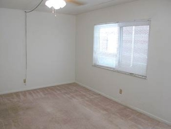1 Bedroom 1 Bathroom Apartment for rent at 2232 N High St in Columbus, OH