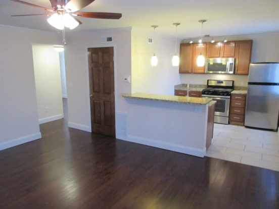 2 Bedrooms 1 Bathroom Apartment for rent at 50 E 7th Avenue in Columbus, OH