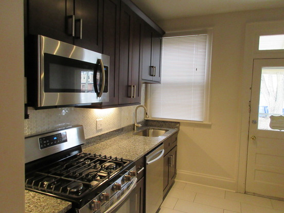 2 Bedrooms 1 Bathroom Apartment for rent at 64-70 W Greenwood Ave in Columbus, OH