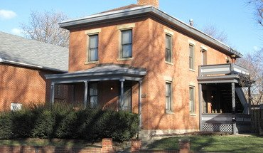 Similar Apartment at 834 Summit Street