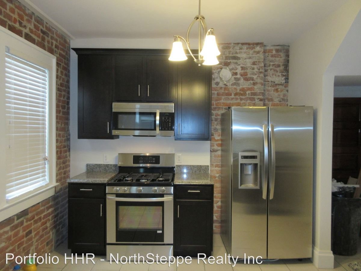 5 Bedrooms 3 Bathrooms House for rent at 1475 Worthington in Columbus, OH