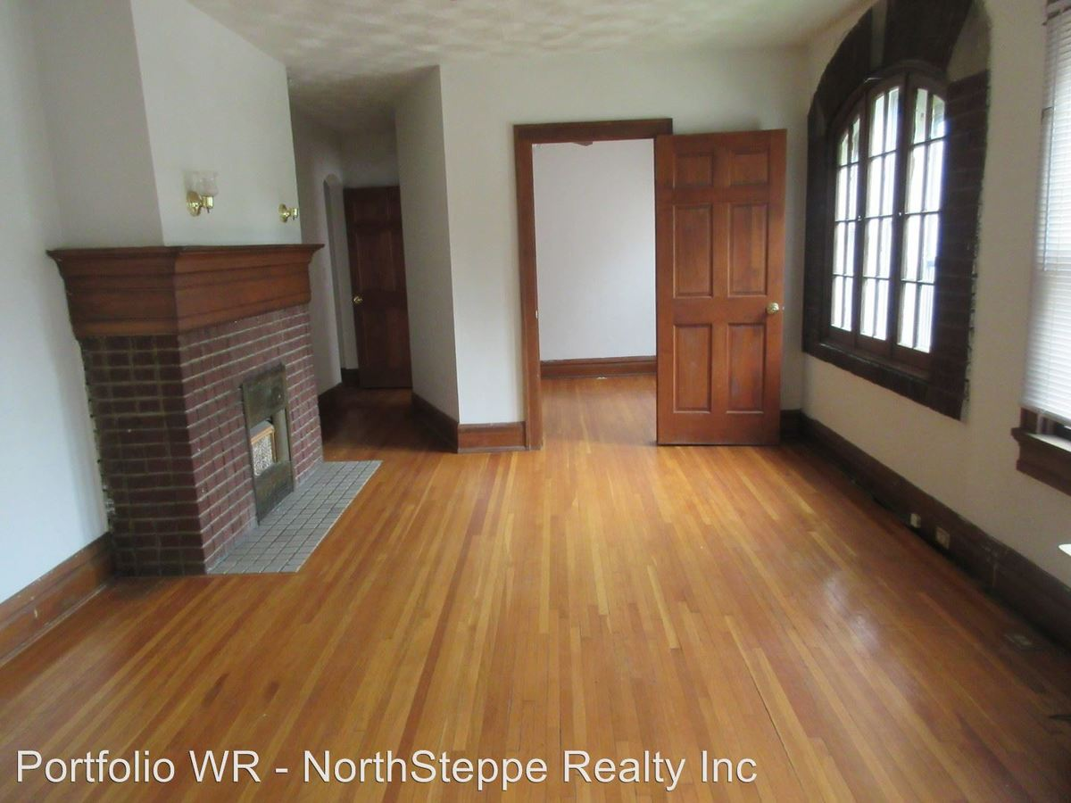 1 Bedroom 1 Bathroom Apartment for rent at 2196-2200 Waldeck Ave in Columbus, OH