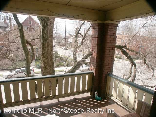 4 Bedrooms 2 Bathrooms Apartment for rent at 892-894 Dennison in Columbus, OH