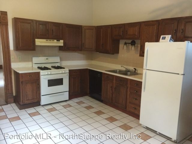 3 Bedrooms 1 Bathroom Apartment for rent at 145-147 W 1st Ave in Columbus, OH