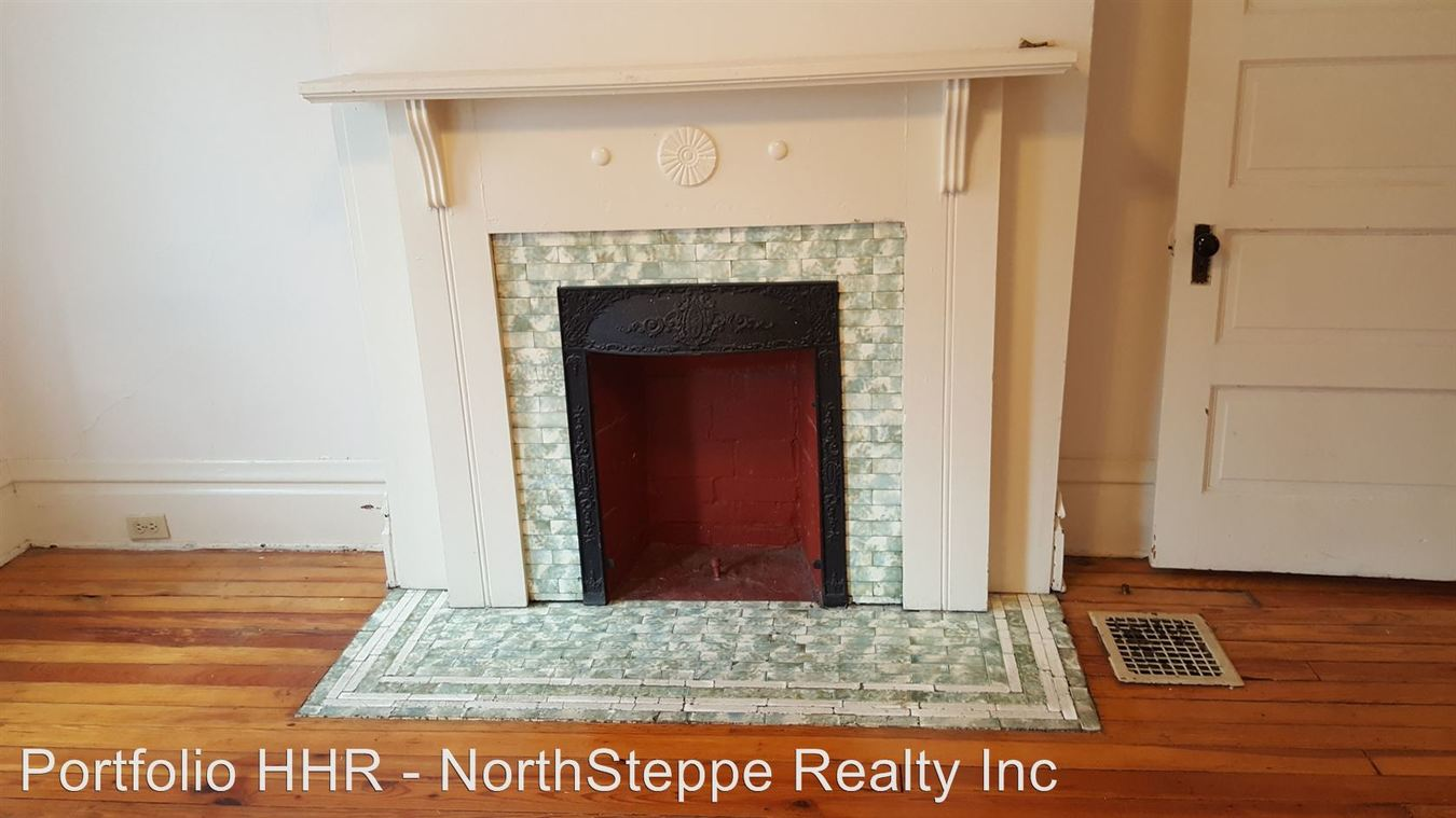 1 Bedroom 1 Bathroom House for rent at 235-237 W 8th Ave in Columbus, OH