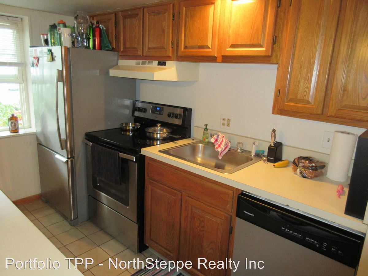 2 Bedrooms 1 Bathroom Apartment for rent at 2240-2250 N High St in Columbus, OH