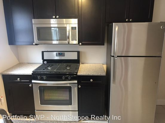 3 Bedrooms 2 Bathrooms Apartment for rent at 1444 1466 Worthington in Columbus, OH