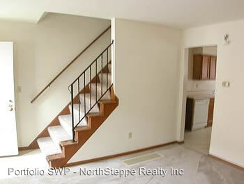 3 Bedrooms 2 Bathrooms Apartment for rent at 1444-1466 Worthington in Columbus, OH