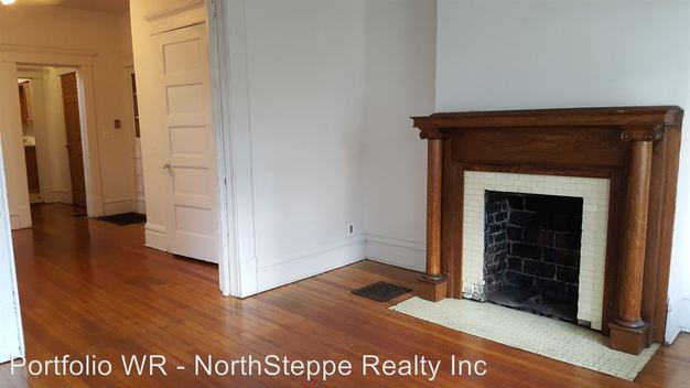 4 Bedrooms 2 Bathrooms Apartment for rent at 49 W Blake Ave in Columbus, OH