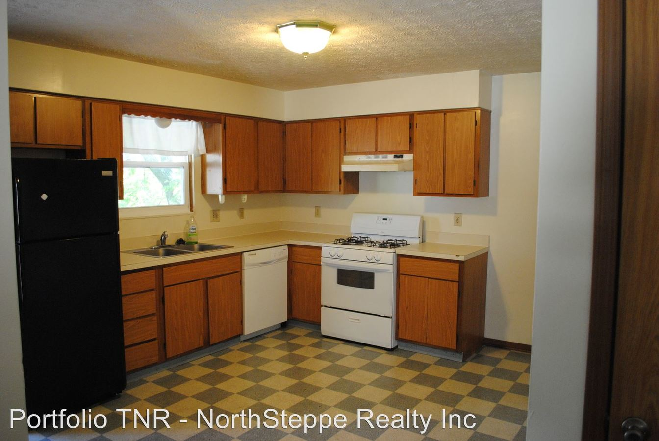 5 Bedrooms 2 Bathrooms Apartment for rent at 76 Chittenden in Columbus, OH