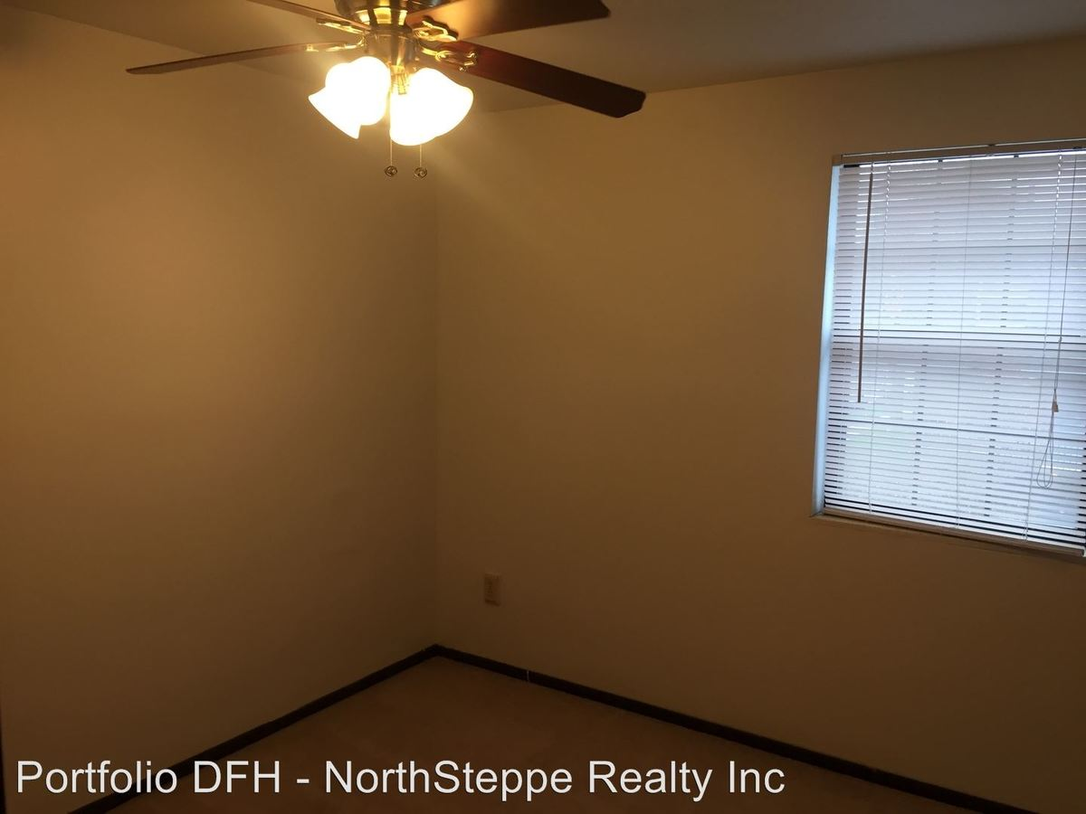 4 Bedrooms 2 Bathrooms Apartment for rent at 300 E 13th Avenue in Columbus, OH