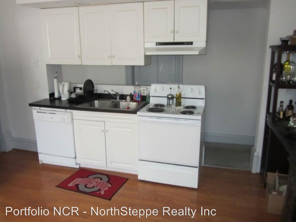 3 Bedrooms 2 Bathrooms Apartment for rent at 877 Dennison Ave in Columbus, OH