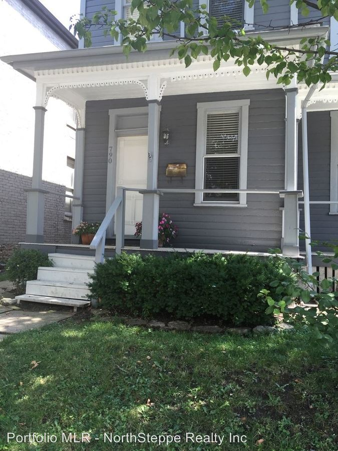 4 Bedrooms 2 Bathrooms Apartment for rent at 788 Summit St in Columbus, OH