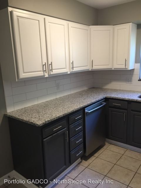 2 Bedrooms 1 Bathroom Apartment for rent at 1165 Edgehill in Columbus, OH