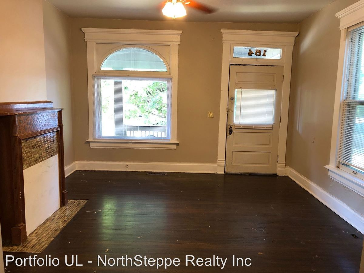 6 Bedrooms 3 Bathrooms House for rent at 160 W 9th Ave in Columbus, OH
