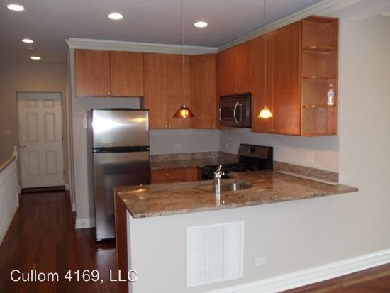 2 Bedrooms 1 Bathroom Apartment for rent at 4169 - 75 W. Cullom in Chicago, IL
