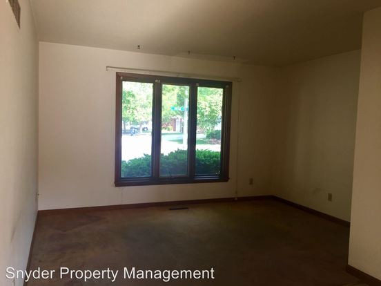 2 Bedrooms 1 Bathroom Apartment for rent at 2012 S. Vawter in Urbana, IL