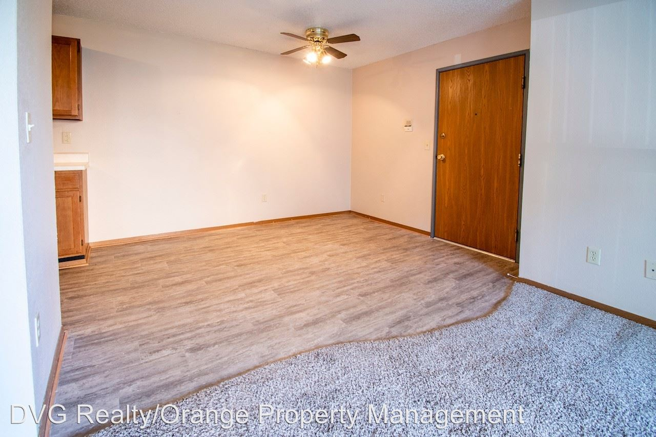2 Bedrooms 1 Bathroom Apartment for rent at 107 West Gold Coast Road in Papillion, NE