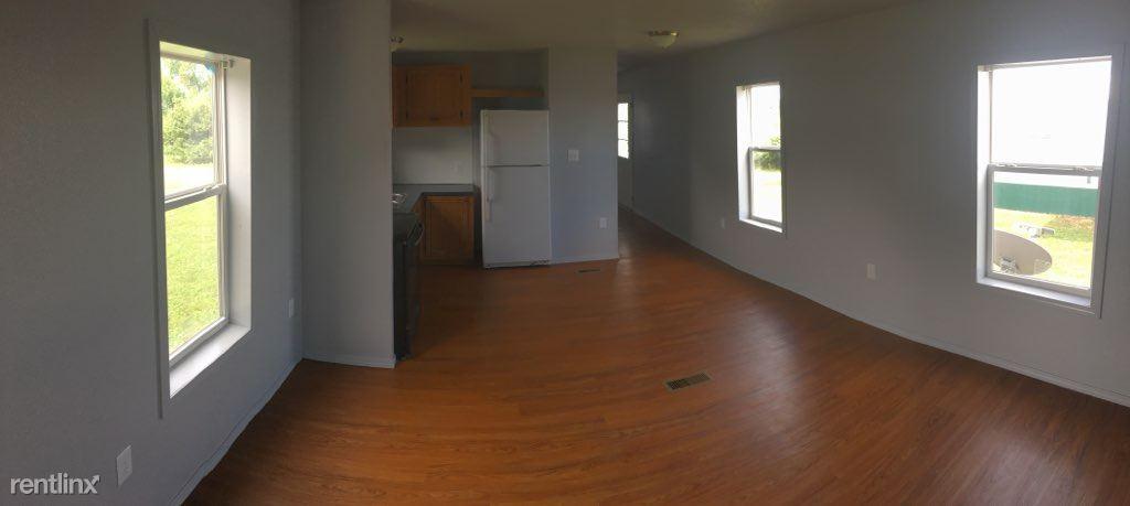 3 Bedrooms 1 Bathroom Apartment for rent at Hillside Mobile Home Park in Tahlequah, OK