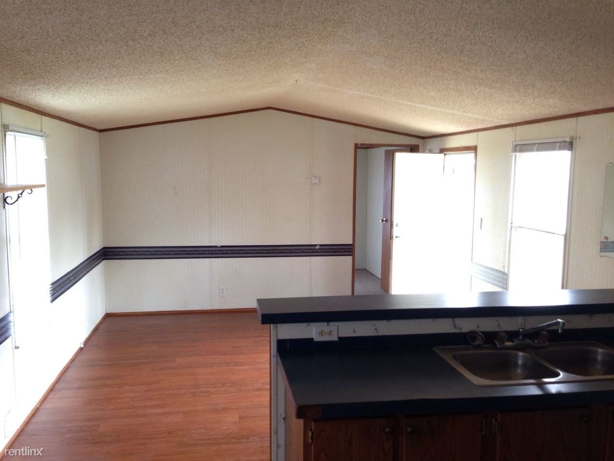 2 Bedrooms 1 Bathroom Apartment for rent at B & J Mobile Home in Tahlequah, OK