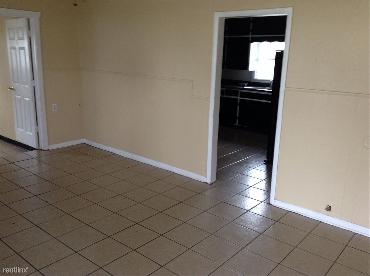 4 Bedrooms 1 Bathroom Apartment for rent at B & J Mobile Home in Tahlequah, OK