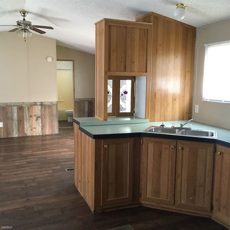 2 Bedrooms 2 Bathrooms Apartment for rent at B & J Mobile Home in Tahlequah, OK