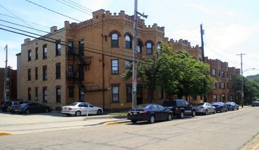 403 405 407 409 Oakland Ave Apartment for rent in Pittsburgh, PA